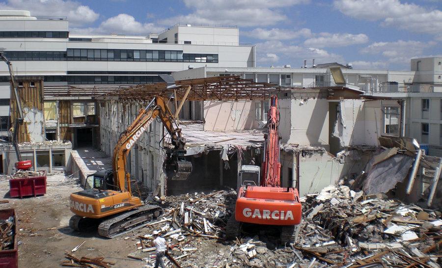Garcia Freres à réalisé la déconstruction de l'ancien hopital Bretonneau à Tours.