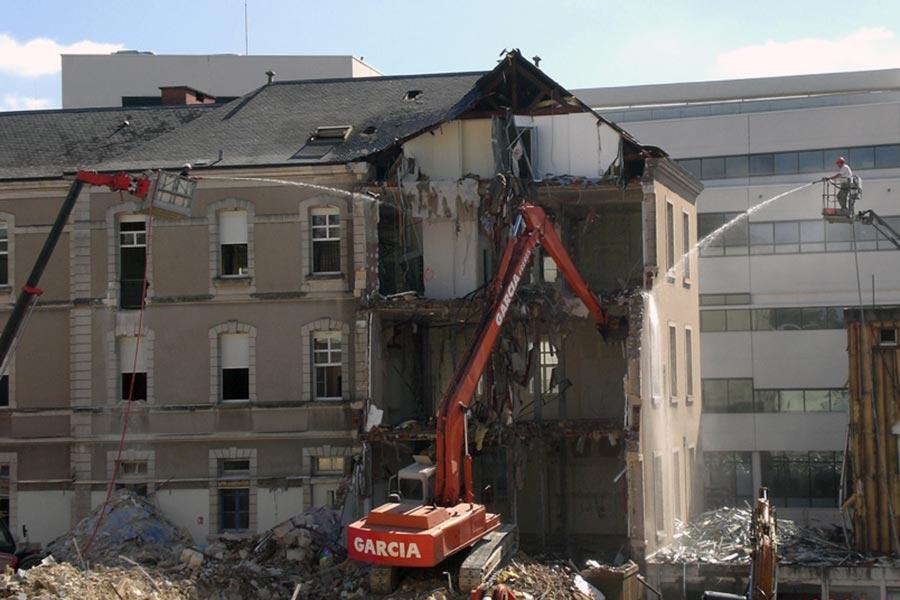 Les gravats sont importants lors des démolitions, Garcia Freres les recycle.